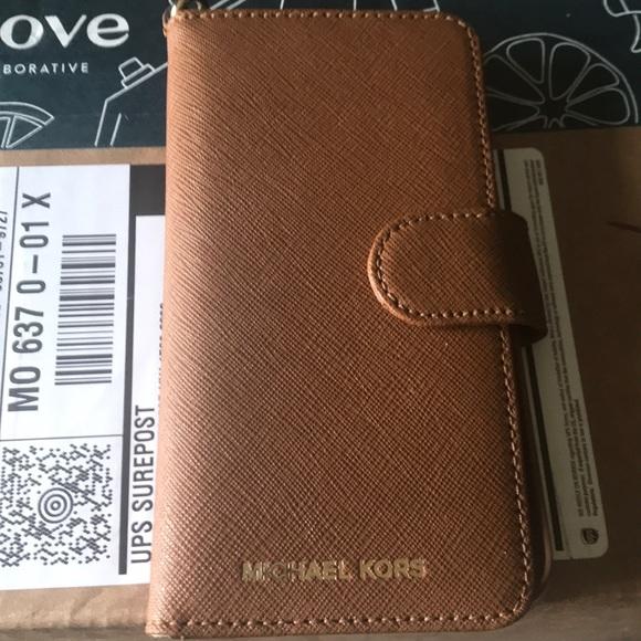 e53c6b608d5293 Michael Kors iPhone 7 (not plus) case. M_5ce6a75bbbf076e0099d6fc9